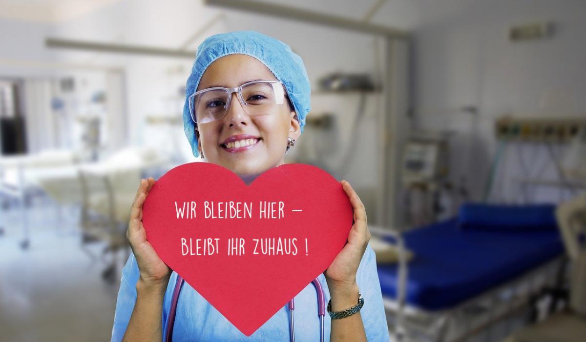 nurse-36244631280
